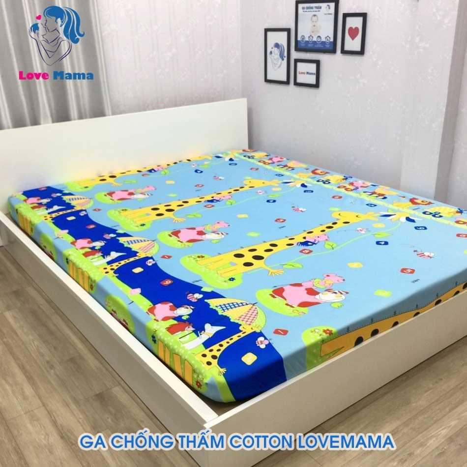 Ga trải giường chống thấm nước họa tiết hươu cao cổ màu xanh