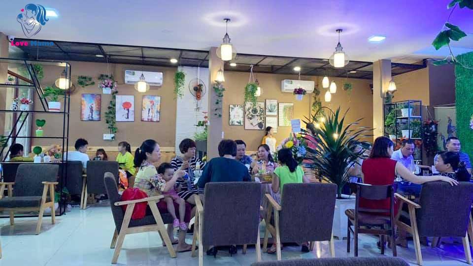 Không gian bên trong máy lạnh quán cà phê Liga 25A Trịnh Đình Thảo